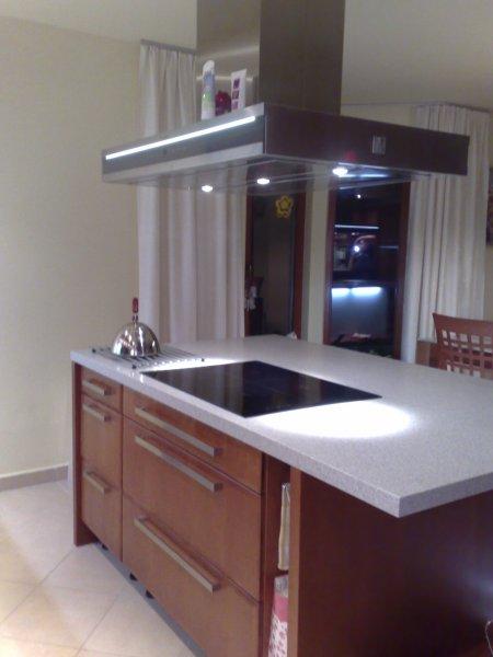 Kuchyň - masiv - ostrůvek