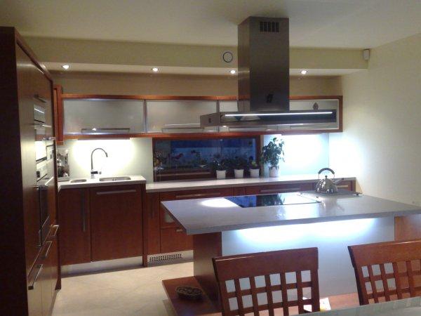Kuchyň - masiv - prostor