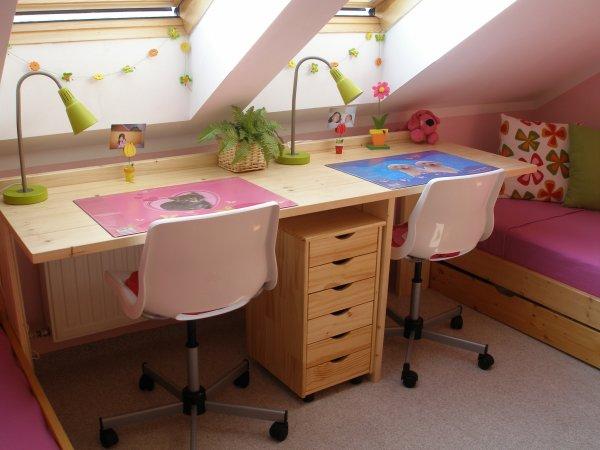 holčičí pokoj - židle a stoly