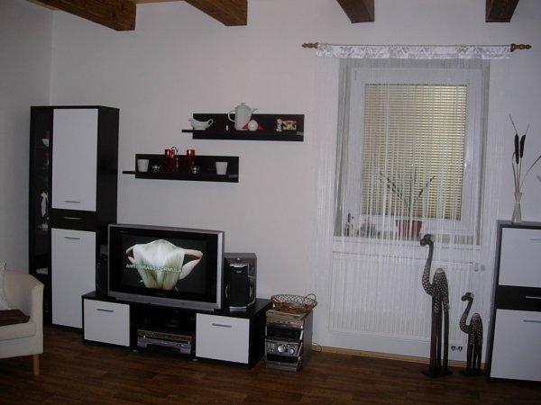 wenge bílá - obývací stěny
