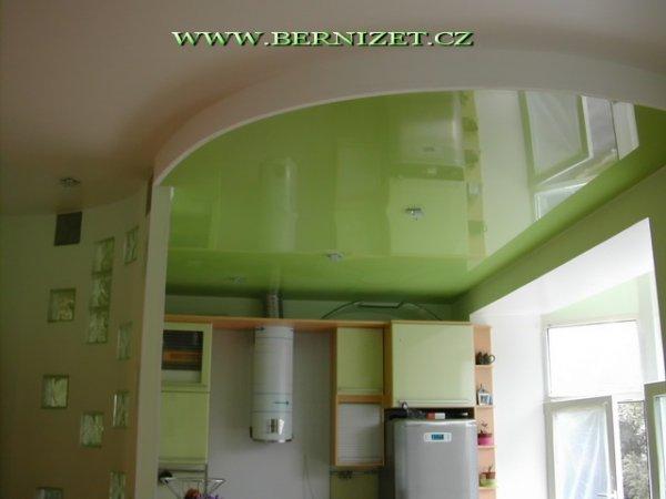 Napínané strop v kuchyně