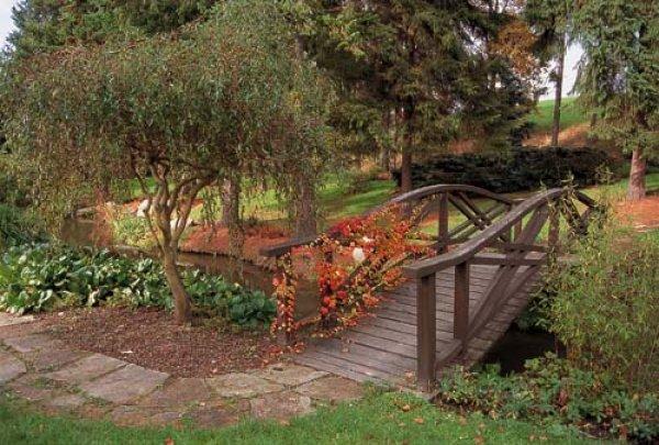 Mostek v zahradě