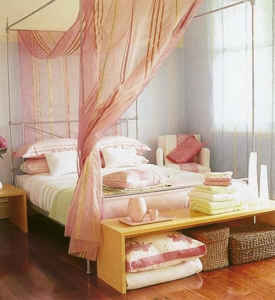 Růžová ložnice - postele