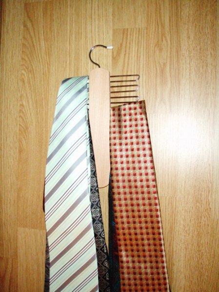 jak uklidit kravaty?