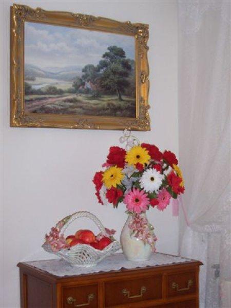 váza a mísa na ovoce