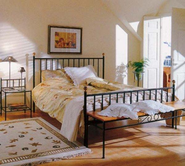 zelezna postel
