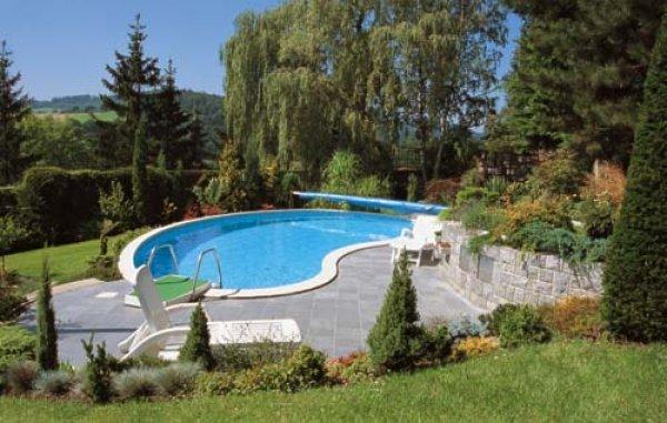 Bazén v zahradě - bazény