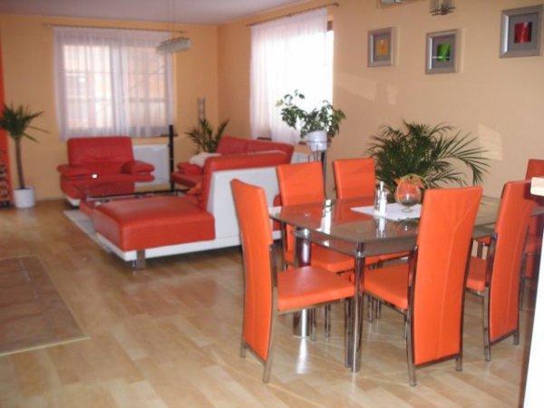 jídelna - židle a stoly