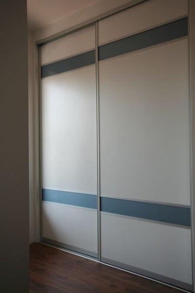skříň v přesíni - úložné prostory