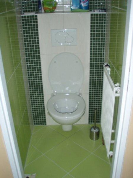 Zelený záchod
