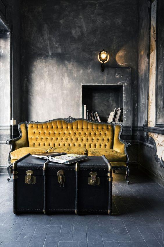 zlatá barva interiér