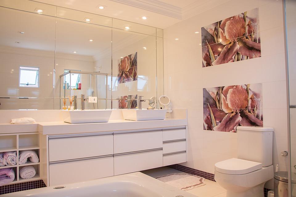 péče o koupelnový nábytek