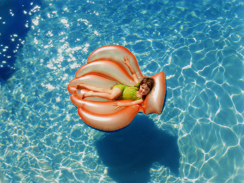 Jak upravovat vodu v bazénu