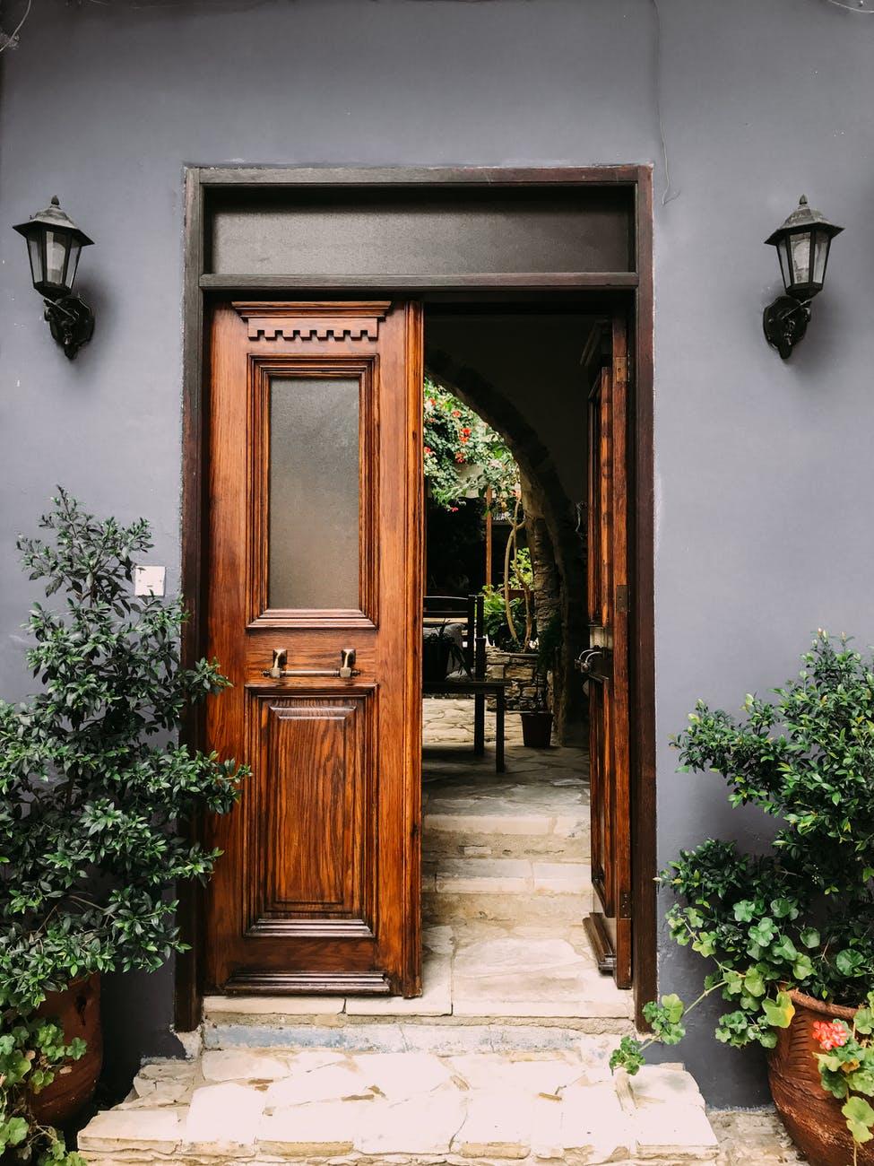 Vybíráme vstupní dveře aneb otázky, na které je dobré znát odpověď