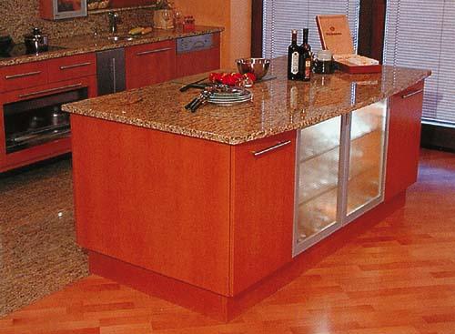 Kuchyně tančí od podlahy