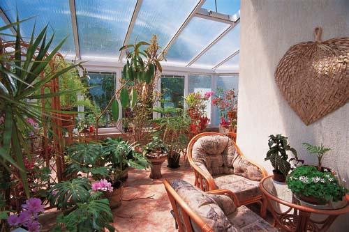 Nástrahy bydlení za sklem