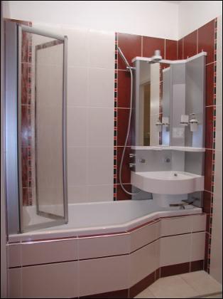 Nejpromyšlenější řešení pro malou koupelnu? Sety BeHappy V a S.  A vše se vejde…