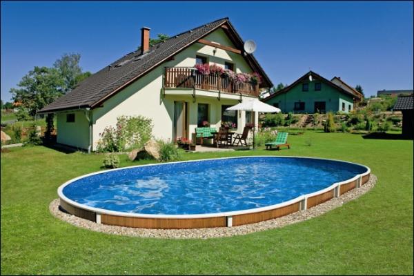 Jak správně odzimovat zahradní bazén?