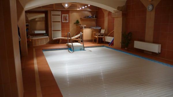 Bazén v panelákovém domě