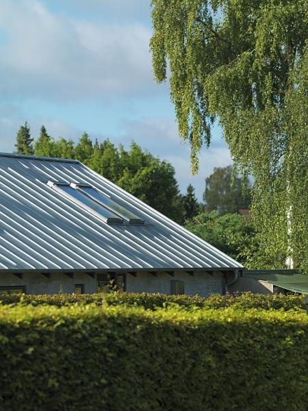 Jak a čím zasklít střešní okna a jak uspořit energii