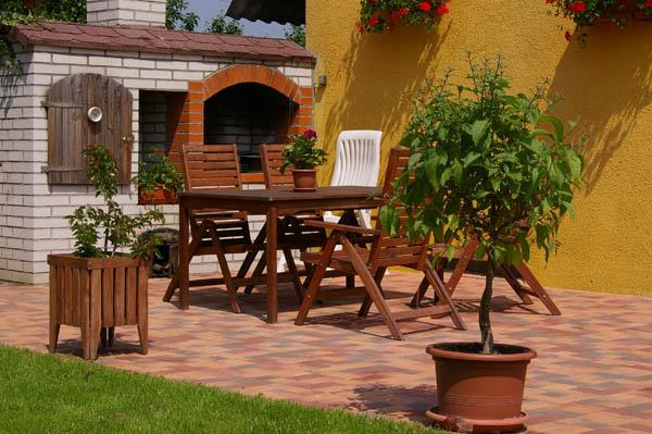 Jak vybrat vhodnou venkovní dlažbu?