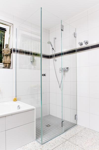 Bezbariérové sprchy v úrovni podlahy
