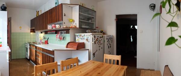 Jak se staví sen: Bílá elegance v dámské kuchyni
