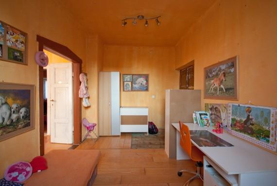 Jak se staví sen: Holčičí a klučičí pokojík pro 4 děti