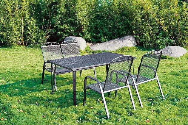 Pohodový odpočinek na zahradě
