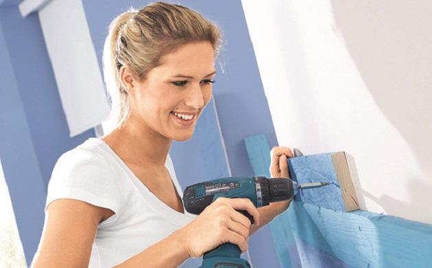 Renovujte pokoj do svěží modré barvy