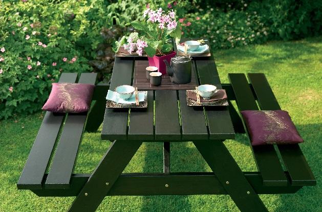 Správnou péči o zahradní nábytek zvládnete i bez montérek