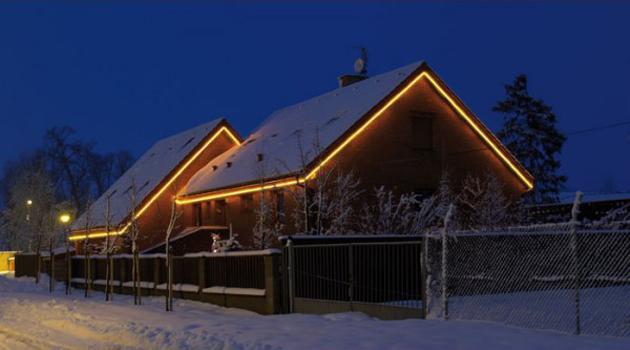 Vánoce jsou tady a co na stromek či dům - klasické žárovkové nebo moderní LED osvětlení?