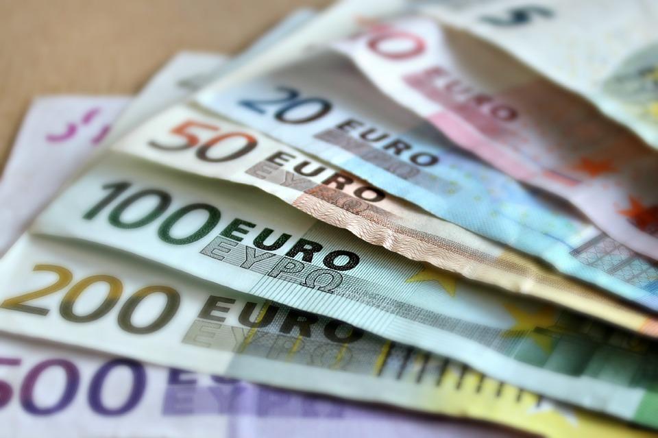 Co dělat, pokud vám dojdou peníze před výplatou? Známe řešení