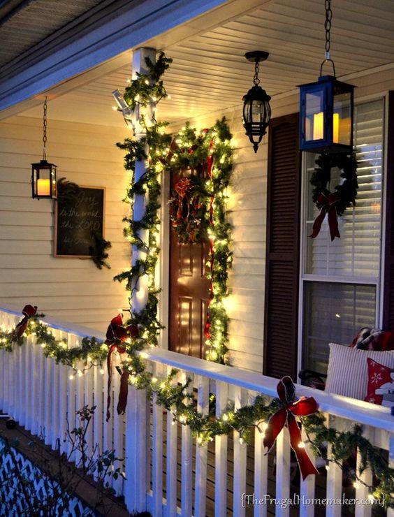 Jak ozdobit vaše balkóny a terasy před Vánoci, aneb 5 jednoduchých tipů