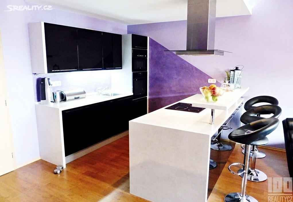 Výjimečný byt u Vltavy 140m2 s terasou - Praha 4 - Modřany