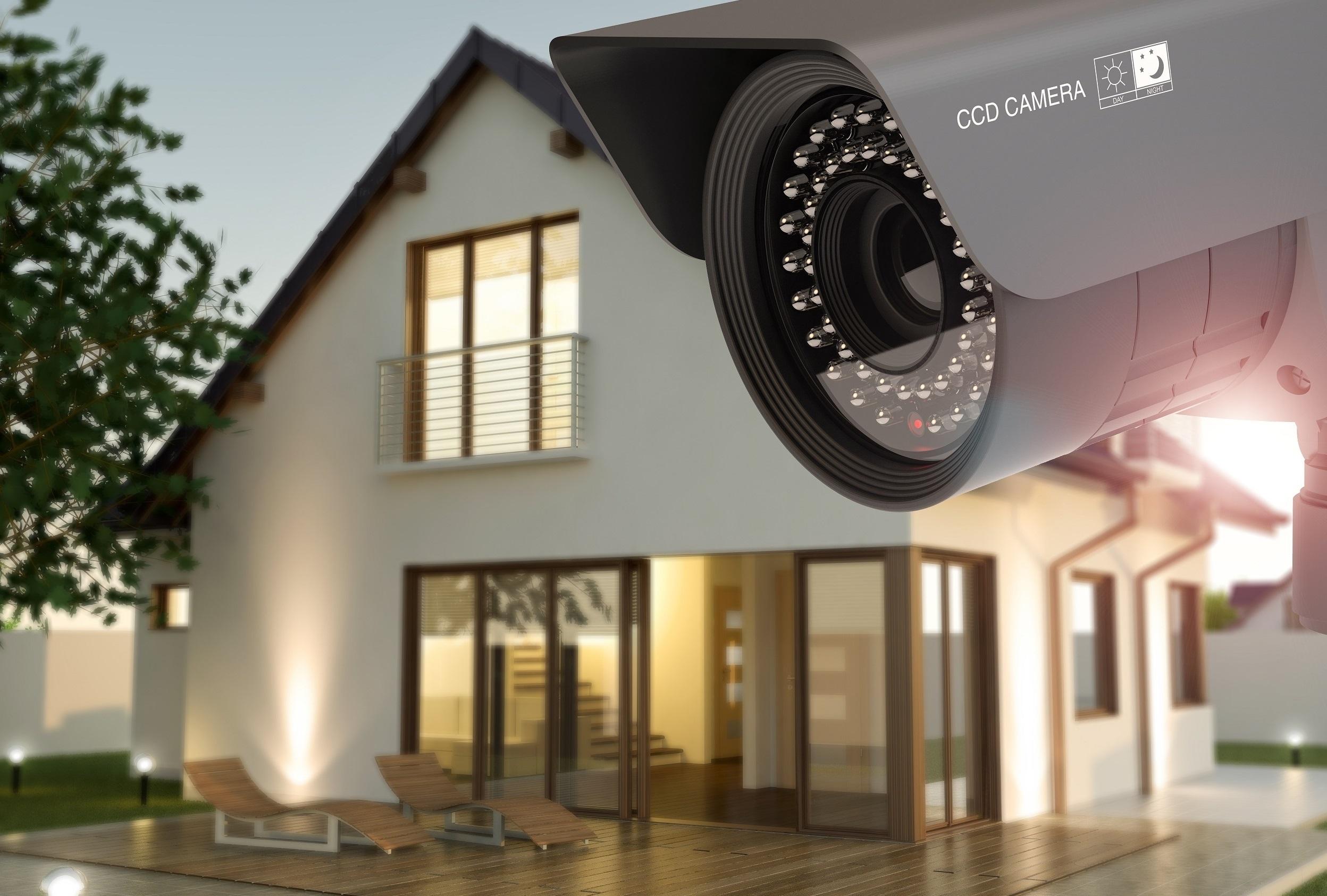 Proč si Češi k zabezpečení domu vybírají chytré zámky a mluvící kamery?