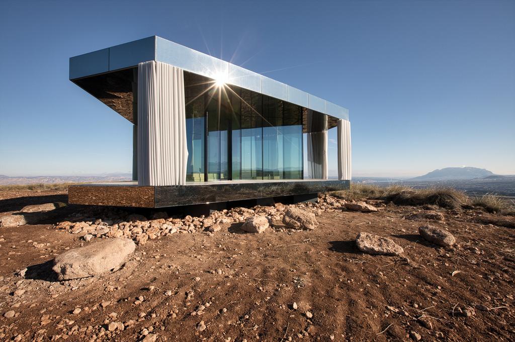 "Pouštní dům ""La Casa del Desierto"", projekt ze skel Guardian"