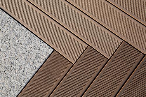 Jak vybrat barevný odstín terasové podlahy