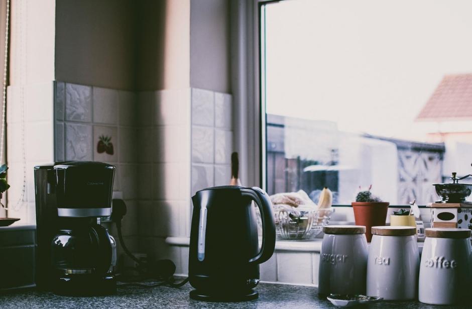 Kuchyňský kout i samostatná kuchyně mají něco do sebe. Jak ale zjistit, co bude vyhovovat vám?