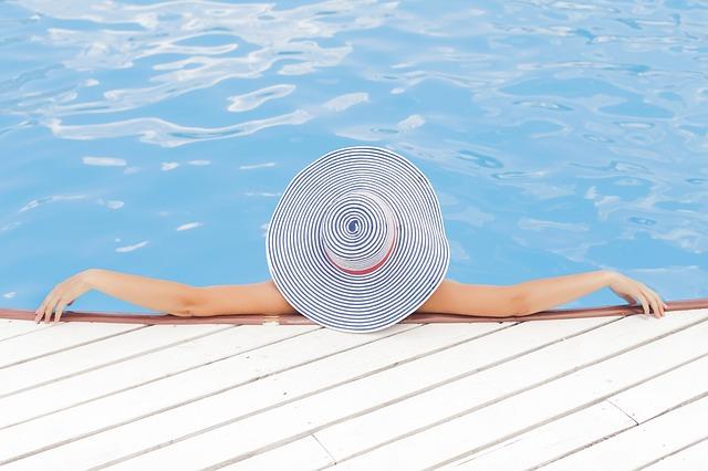 Koupací sezóna je za dveřmi, vlastní bazén ale ještě stihnete!