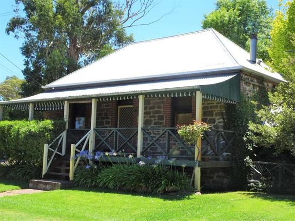 Styl jakéhokoli velikosti a účelu - zahradní domek nebo altán?