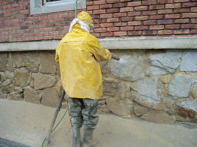 Zvyšte životnost fasády ochranným nátěrem