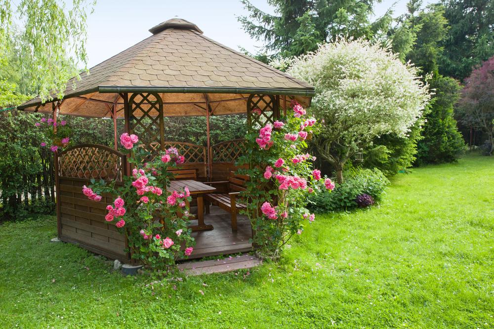 Využijte pěkné počasí a zkrášlete si svůj zahradní altán