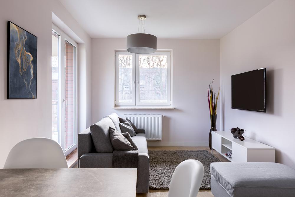 Jak uspořádat obývací pokoj i v malém bytě tak, aby byl pohodlný?