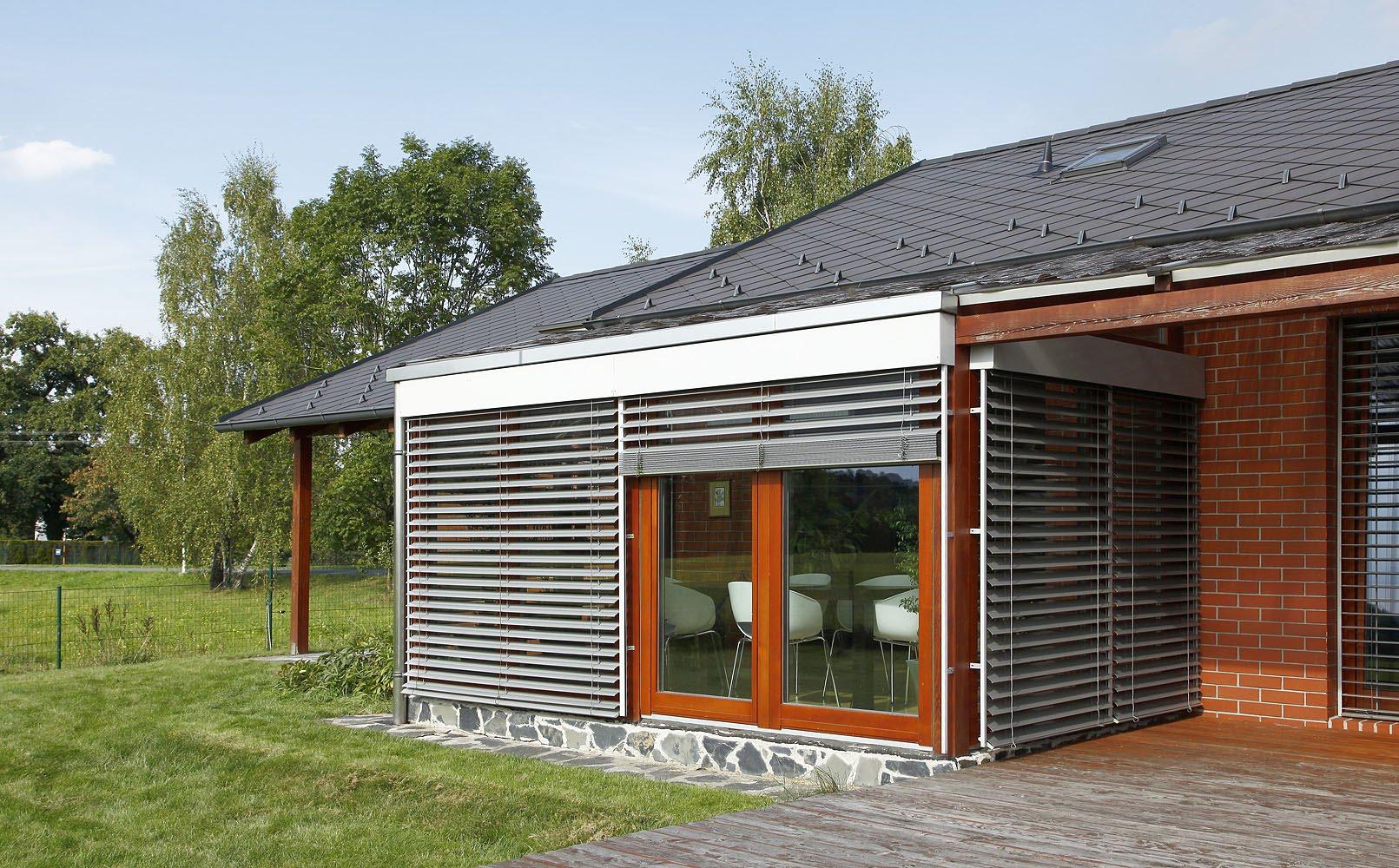 S venkovními žaluziemi výrazně snížíte náklady na klimatizaci