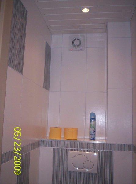 Naše nové modro bílé WC