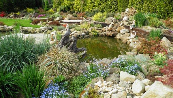 Zahrada duben 2011