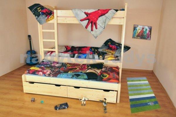 masivní patrová postel