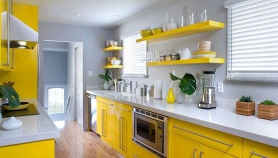 žlutá barva rozjasní interiér